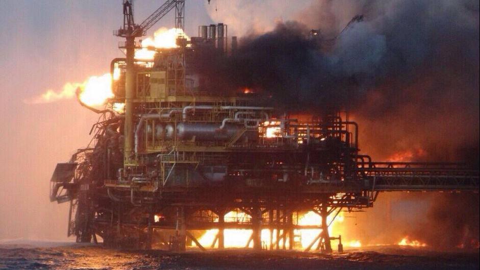 GOM Offshore Oil Platform Rig Explosion - Alfa Platform Pemex Oil  - 300 Evacuated1