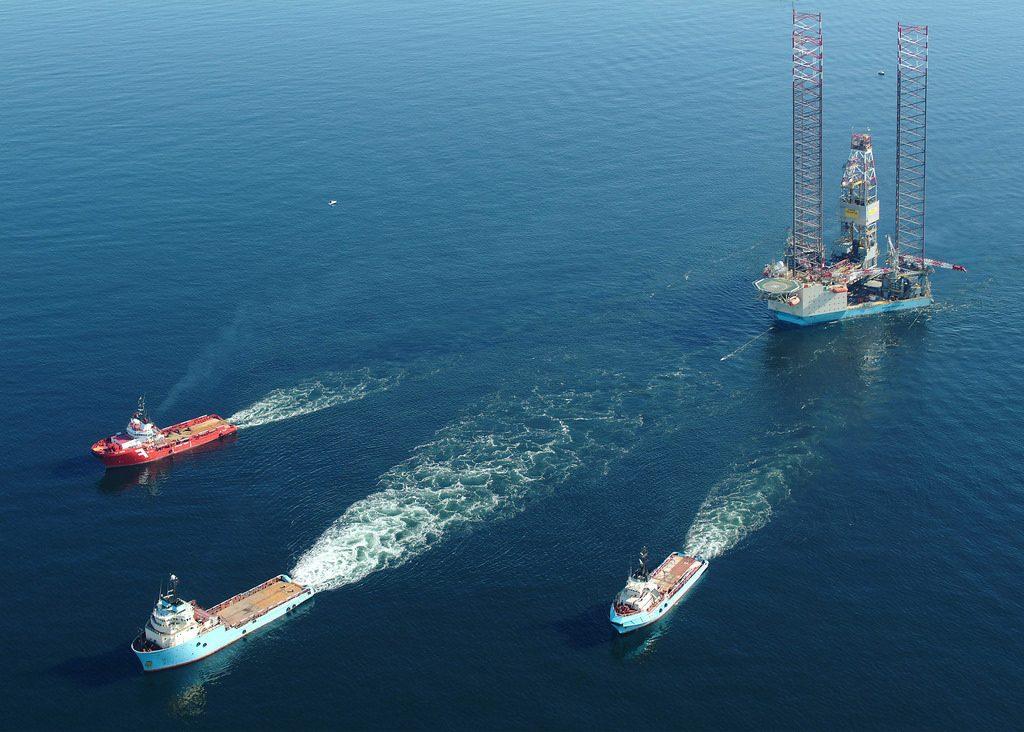 Figure 1 - Wet-tow of Mærsk Innovator (Maersk Drilling, 2014)